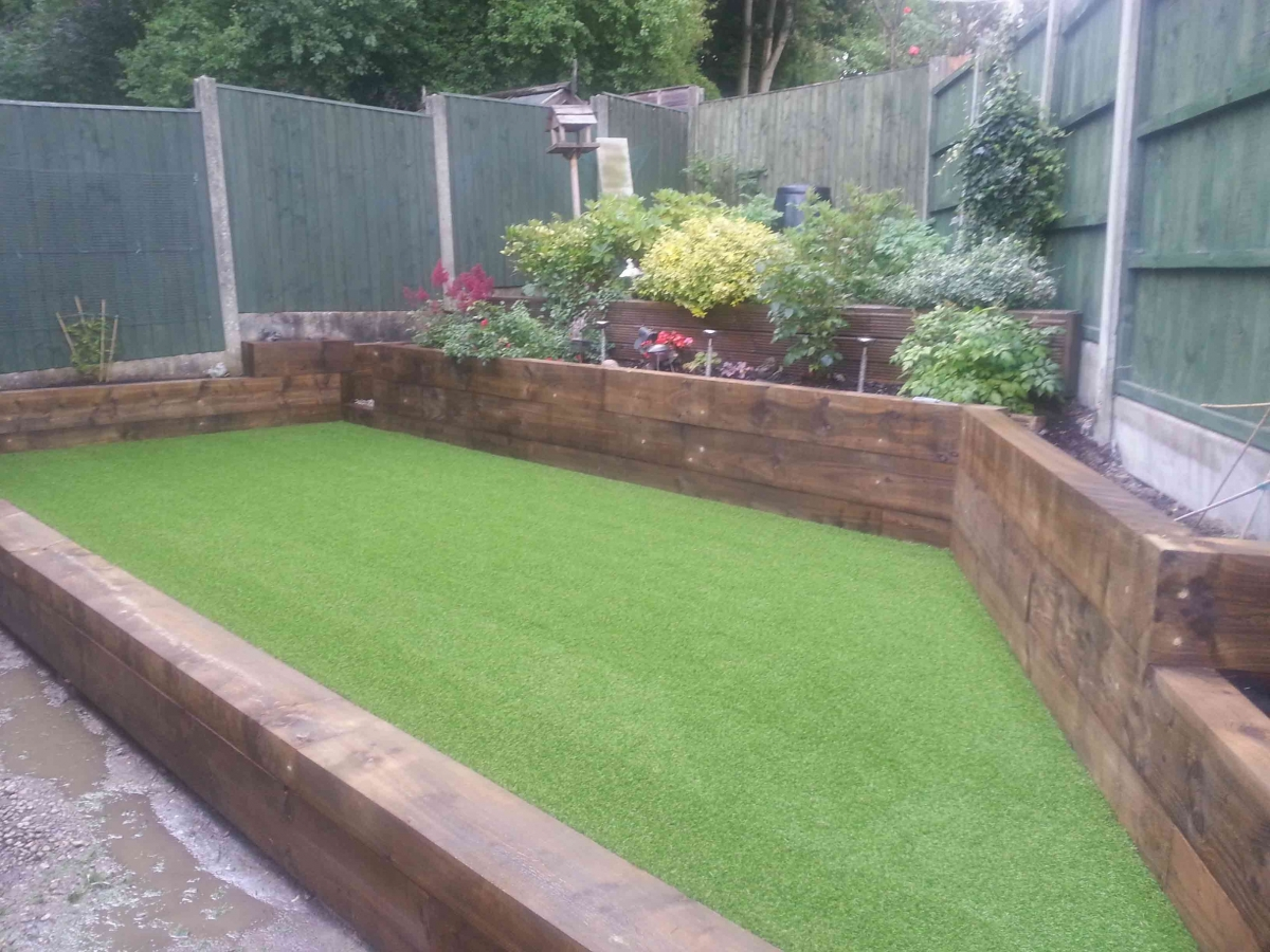 eco-sleepers-with-astro-turf-web