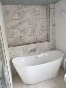 bathrooms 1