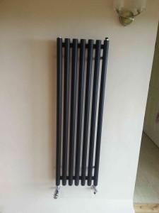black-straight-cylinder-radiator-web